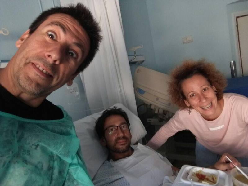 Victor, María y Tony en el hospital de Cádiz