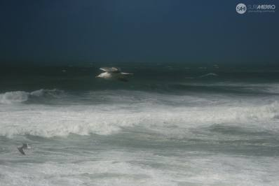 Imagen: Temporal Emma | Surf AHIERRO!