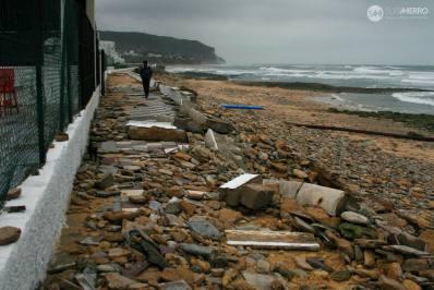 Imagen: Emma y destrucción   Surf AHIERRO!