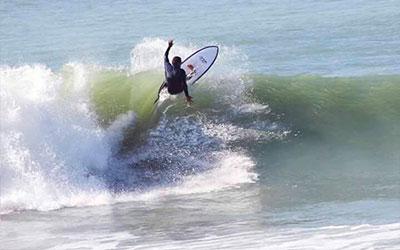 Victor y María vuelven a casa - Surf AHIERRO!