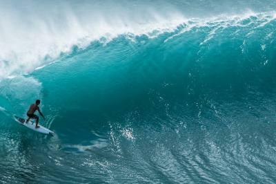 Padang Padang beast free surf