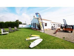 Homies Surfcamp - Surf AHIERRO!