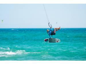 Imagen: Kitesurf  | Surf AHIERRO!