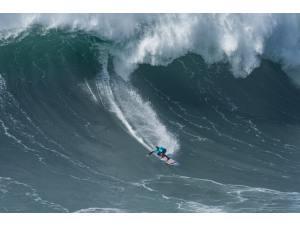 Imagen: WSL Nazaré | Surf AHIERRO!