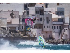 Imagen de Windsurf Canarias - Surf AHIERRO!